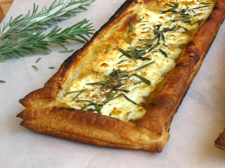 Quick Rosemary, Fig, and Goat Cheese Tarts - Willow Bird Baking ...