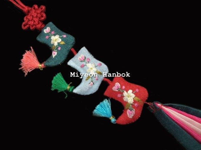 [미연한복] 3단 손자수 버선 노리개 / 한복장신구 / 한복노리개 : 미연한복
