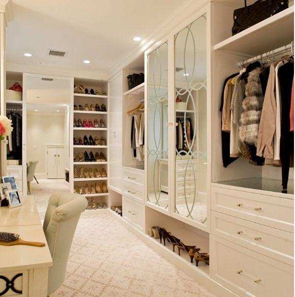 Calm simple walk-in closet.
