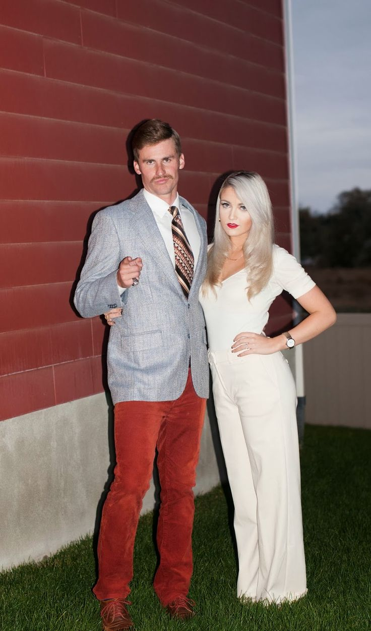 Ron Burgundy and Veronica Corningstone so clever @Ellie Rudolph you and spence should do this for something
