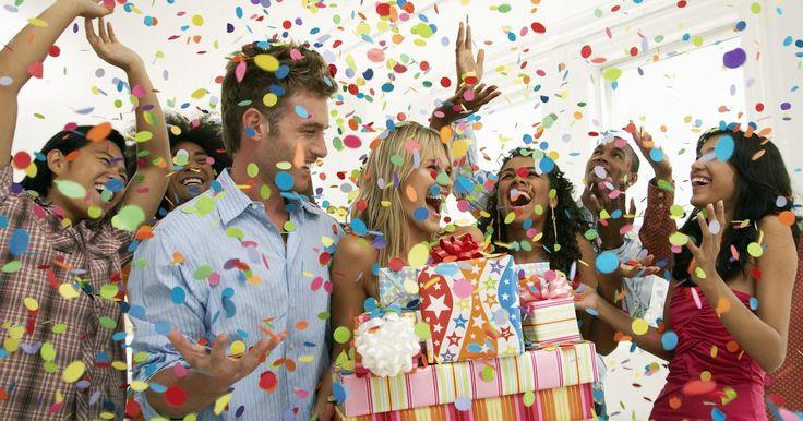 Cómo organizar una fiesta para un cumpleaños número 60. El sexagésimo cumpleaños es un momento trascendental en la vida de un individuo. Como resultado, planificar una fiesta de cumpleaños para semejante hito, ya sea para ti, tu esposa, un hermano o un buen amigo, requiere pensamiento y organización. Existen muchas opciones para hacer una fiesta divertida y significativa y es importante sopesar todas ...