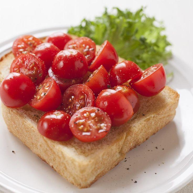 「今週の特集は、「ひだパン×タベソダ」。オリーブオイルをたっぷり染みこませた食パンにミニトマトをたっぷりのせて…朝食が楽しくなる飛田和緒さんのアイディアがいっぱいです。  紹介しているレシピは、アプリ『タベソダ』からチェックできます。詳しくは、プロフィールのURLからどうぞ。…」