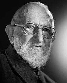 05/08/1912 : Henri Grouès dit l'abbé Pierre, prêtre catholique français, fondateur du mouvement Emmaüs en 1949 († 22 janvier 2007).