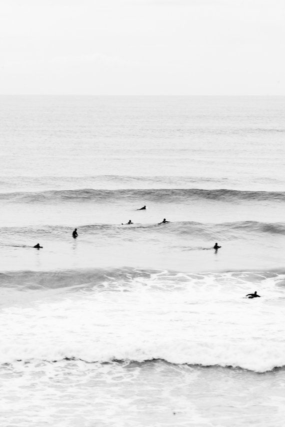 XTRA Surfing in Lacanau. Photo shows surfers in Lacanau by 10frame