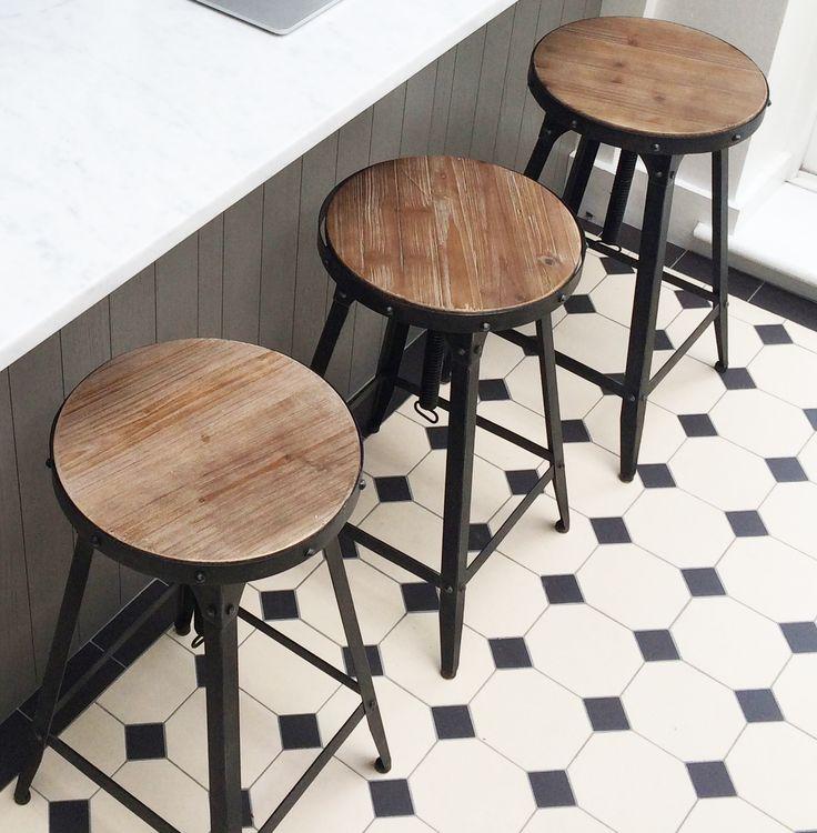 Steel Magnolias Café stools in Aged Rust