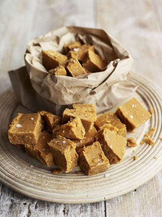 Salted Caramel is bang on trend right now, probably because it tastes so good; learn how to make fudge with this salted caramel fudge recipe from Jamie.