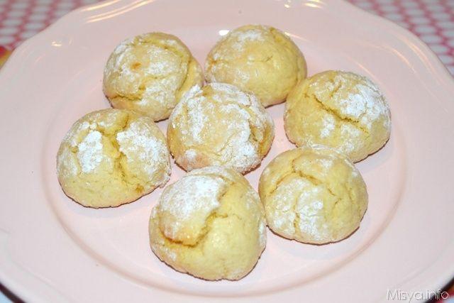 La ricetta di questi biscotti al limone impazza sul gruppo facebook già da un pò, proposti da elena la prima volta, sono stati fatti un pò da