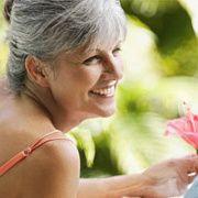 À quel âge surviennent la ménopause, la ménopause précoce, la préménopause et la périménopause?