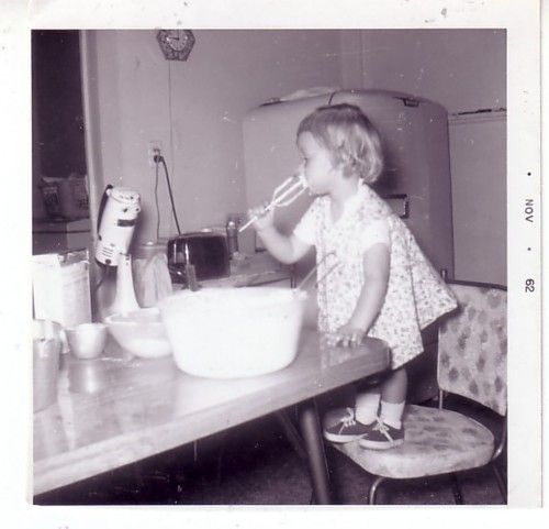 licking the beater : )Remember, Mixed Bowls, Childhood Memories, Growing Up, Baking Goodies, Beaters, Raw Eggs, Lick, Cake Batter