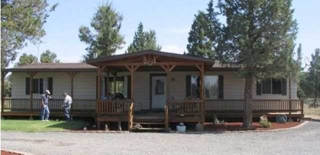 1000 images about mobile home porch ideas on pinterest for Double wide porch ideas