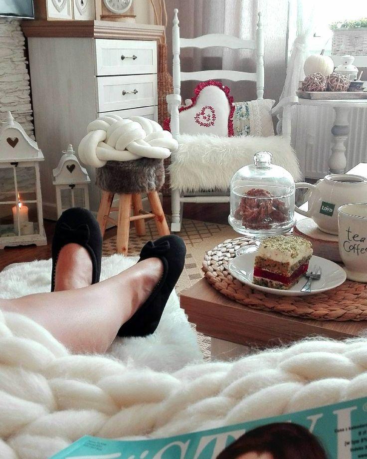 My Home Decor Oj te poniedziałki 😁 nieraz bywa, że bardzo je lubię ... szczególnie jak mam wolne 😉😁 słonecznego dnia Wam życzę 😘😘 całusy #de - (@utkane_marzenia_provansji_2)