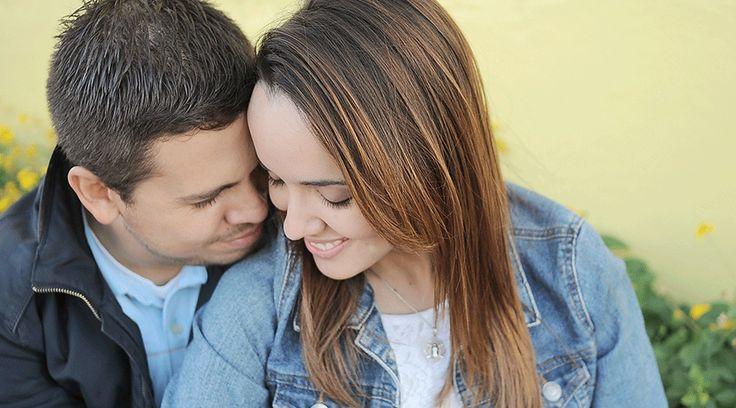 El noviazgo es una etapa muy rica e intensa donde la pareja se prepara para el matrimonio, en el que existen una serie de desafíos a los que se debe hacer frente, especialmente en un mundo erotizado, materialista y alejado de Dios.