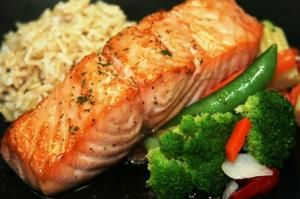 PREMIUM LINE: Seared Salmon with Brown Butter Sauce customizable chef prepared meal service topchefmeals.com