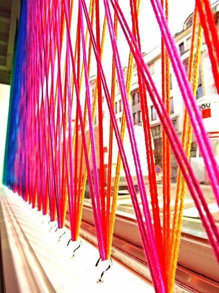 motivo decorativo con fili colorati