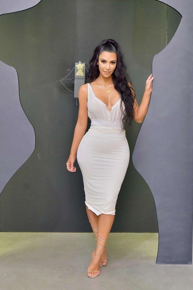 f5e034b2bd4a5 Kim Kardashian  KKW Beauty Fan Event -06 - GotCeleb