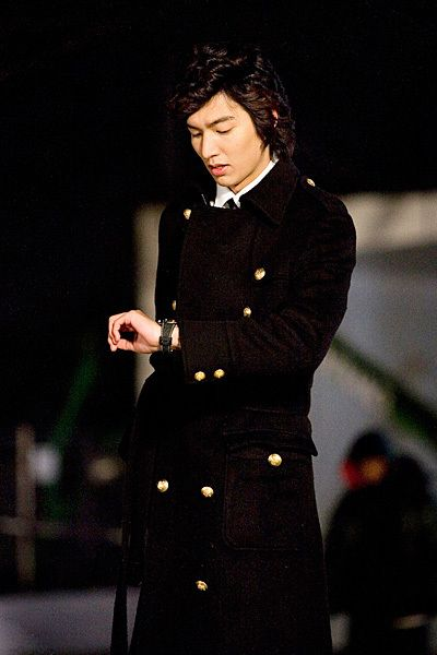 Lee Min Ho – Goo Jun Pyo - Boys Before Flowers http://joorheek.edublogs.org/2009/03/01/lee-min-ho-goo-jun-pyo-and-boys-before-flowers/