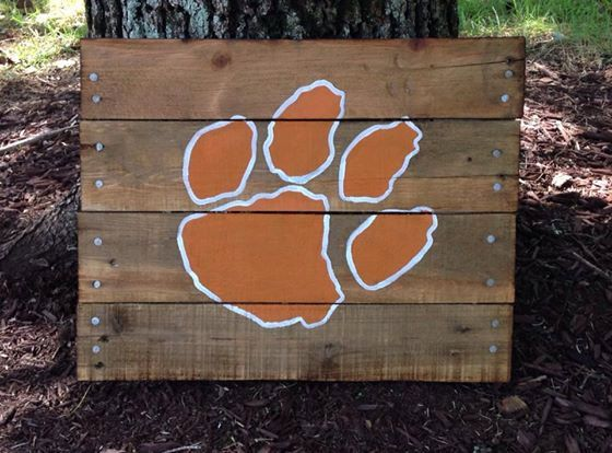 This listing is for a (Clemson) Tiger paw wood pallet piece. Each piece is hand made, stained, and painted. It is made out of refurbished