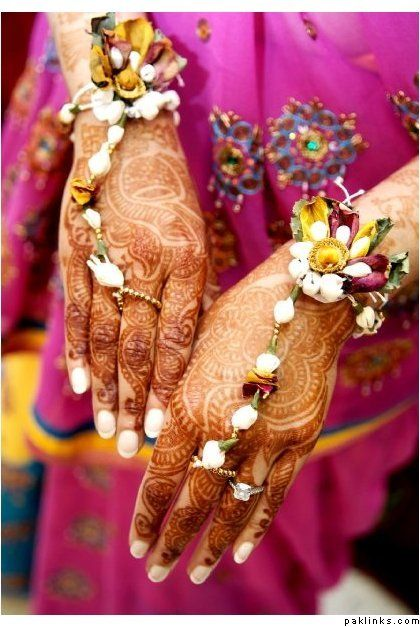 Floral Haath Phool Jewelry over Mehndi ✾ Henna