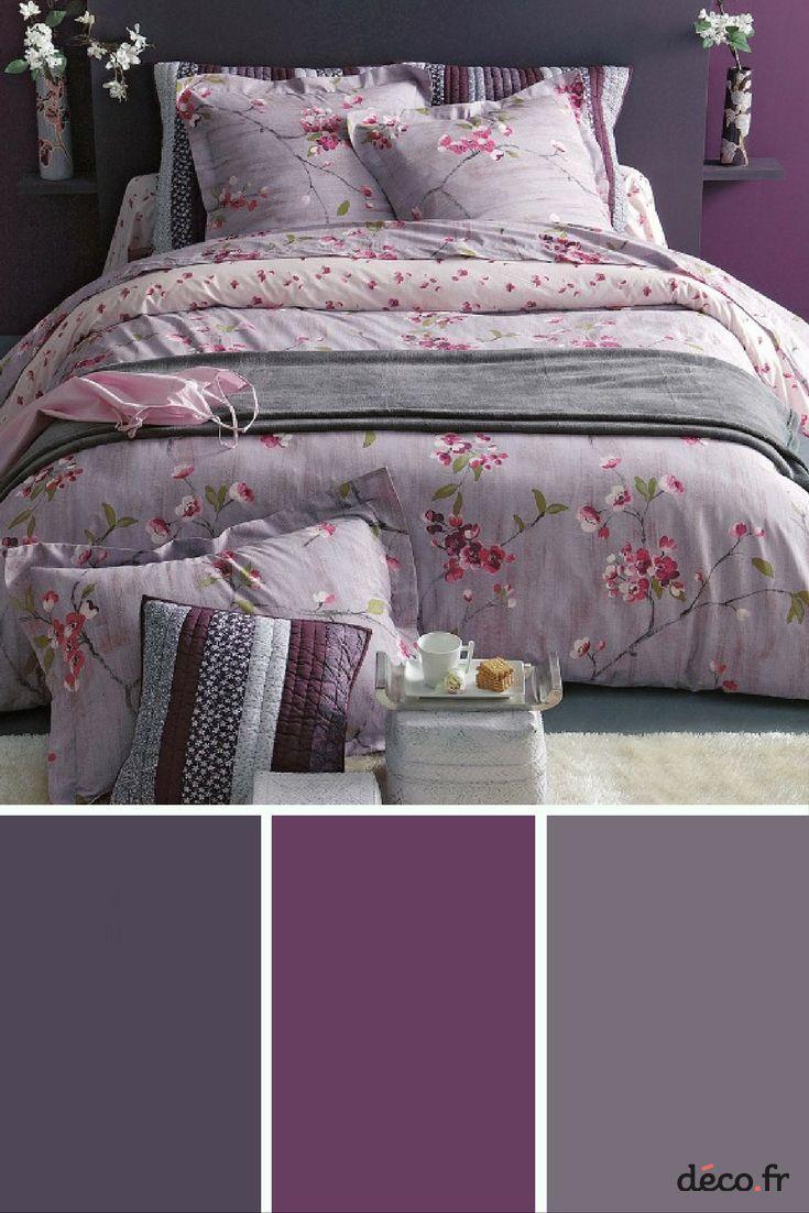 Couleurs tendance 2017 dans la salle de bains:  un violet profond ou des nuances de lilas pour obtenir une atmosphère apaisante.