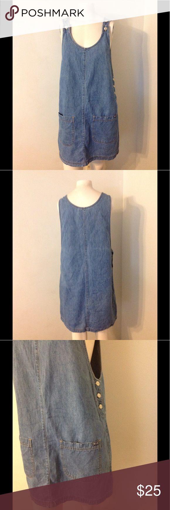 Vintage Overall Jean Jumper Dress L Cute vintage jumper dress. Made of cotton in size Large - front pockets. Nice condition Vintage Dresses