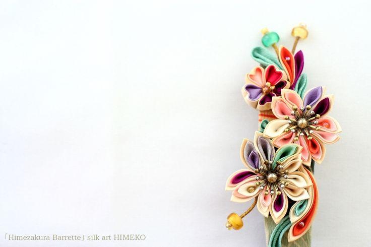 つまみ細工「Himezakura Barrette」 ●silkartHIMEKO facebookpage https://ja-jp.facebook.com/himekosilkart ●http://www.a-yarn.com/