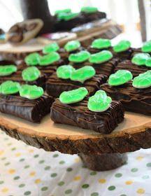 Leap Year Frog Party Food Ideas Frogs On A Log Are Made With Hostess Ho Hos And Topped Gummy This Themed Dessert Comes From Gourmet Mom