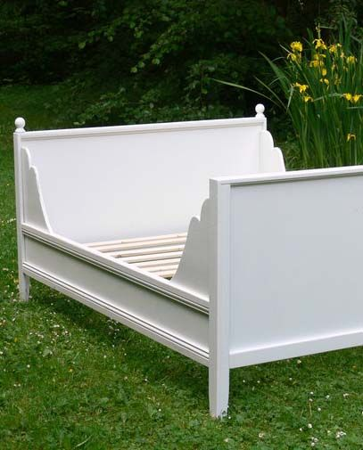 Ana White | Build a Lydia Daybed | Free and Easy DIY Project and Furniture Plans. For the girls room
