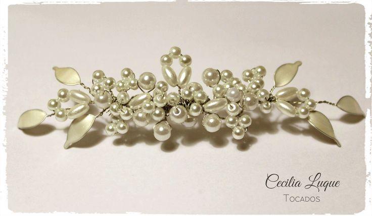 Tocados de novia hecho a mano, con perlas y hojitas esmaltadas. Novias, Bodas, Tocados