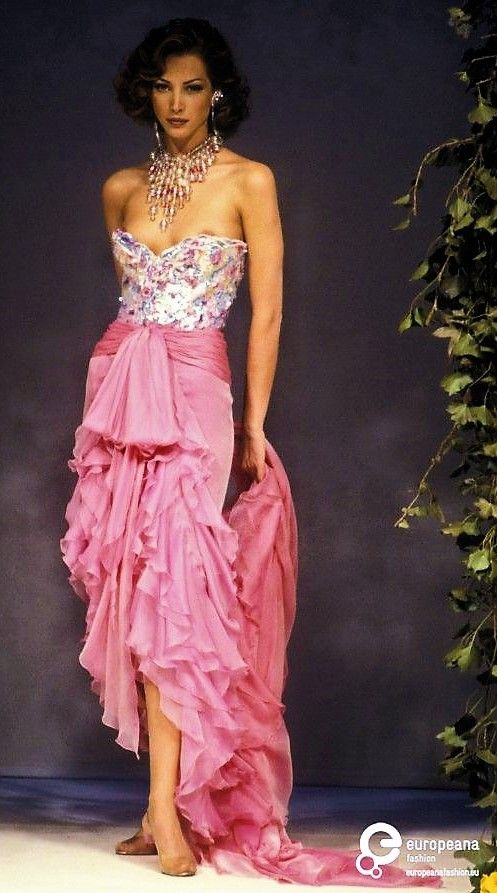 Christy Turlington - Jean-Louis Scherrer, Spring-Summer 1992