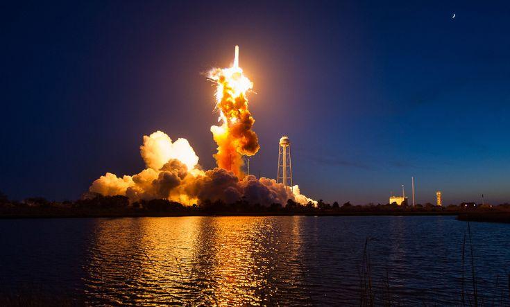 Impactante y descomunal: La NASA publica fotos inéditas de la pavorosa explosión del cohete Antares - RT
