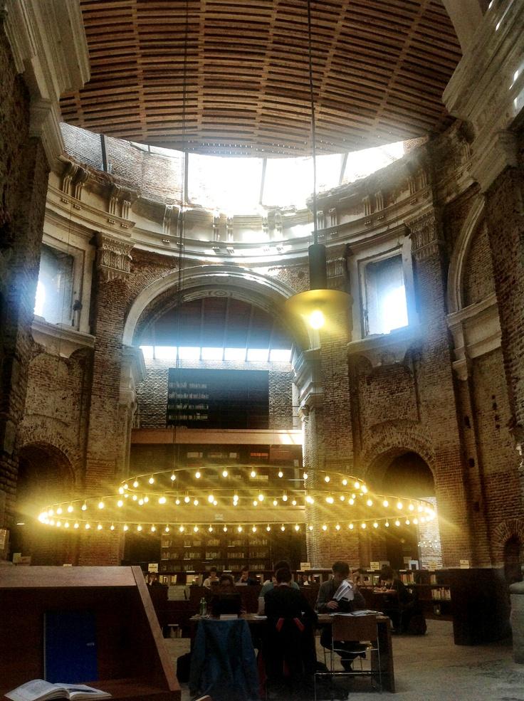 Biblioteca de las Escuelas Pias en Madrid.