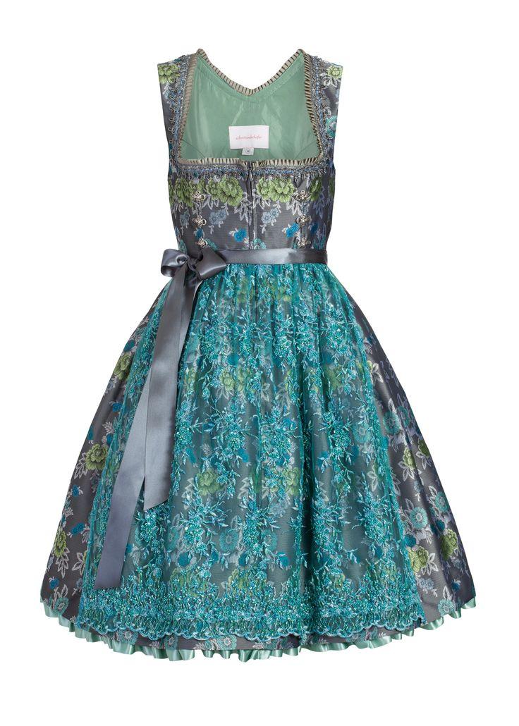 Ein außergewöhnlich schönes Dirndl aus dem Hause schmittundschäfer trachten couture. AMELIA ROSE ist eines der wenigen erlesenen Dirndl aus der aktuellen, märchenhaft schönen FAIRYTALES Kollektion der beiden...