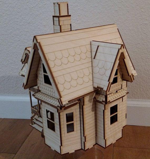 Casa di Carl dal film Disney/Pixar UP di VictorianDollhouse