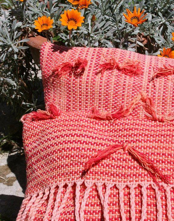 Set di 2 cuscini arancioni tessuti al telaio