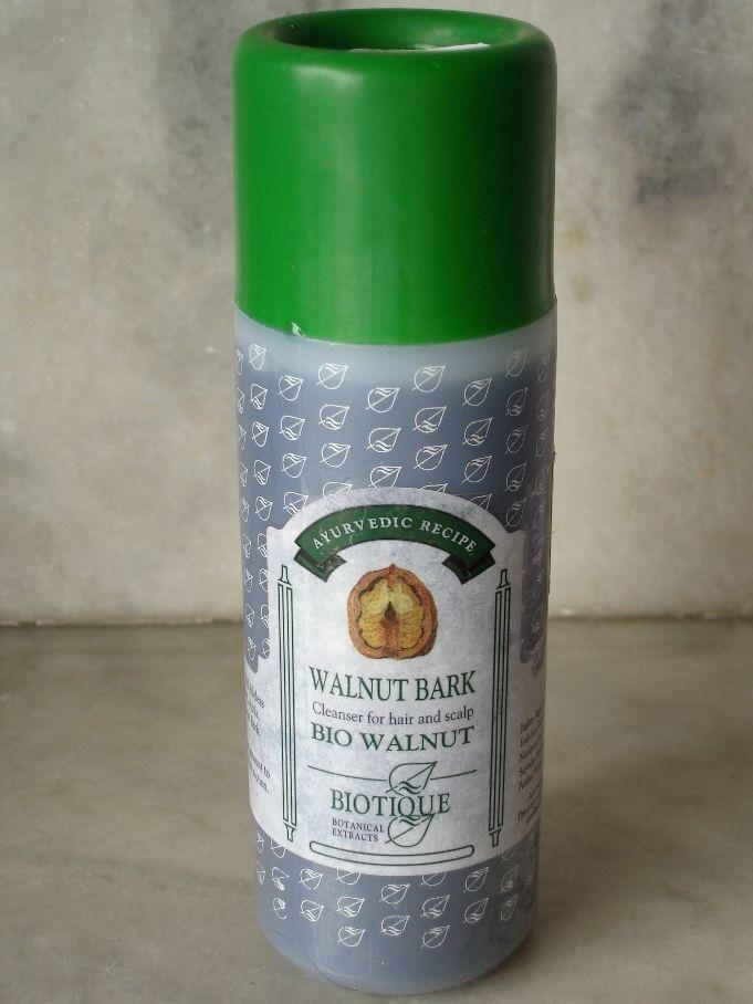 Review of Biotique Walnut Bark Shampoo