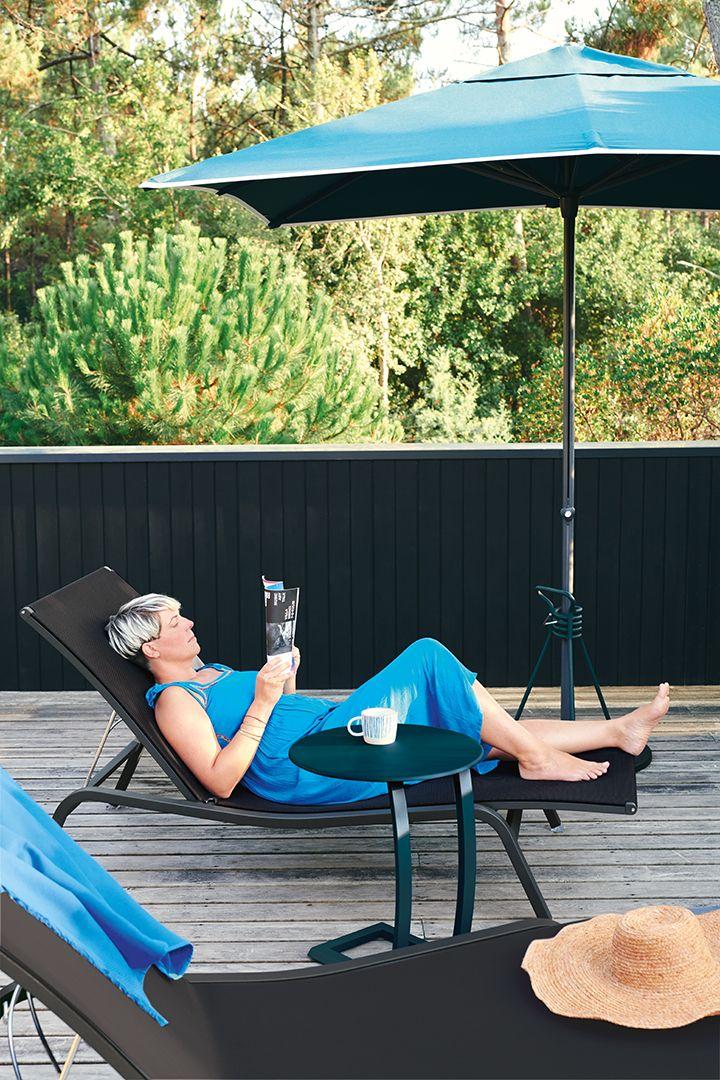 Collection Alize Fermob Mobilier De Piscine En 2020 Bain De Soleil Bain De Soleil Design Table Basse Exterieur