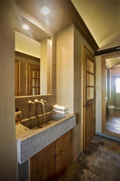 17 beste idee n over rustieke badkamer inrichting op pinterest doucheruimte decor - Rustieke badkamer meubels ...