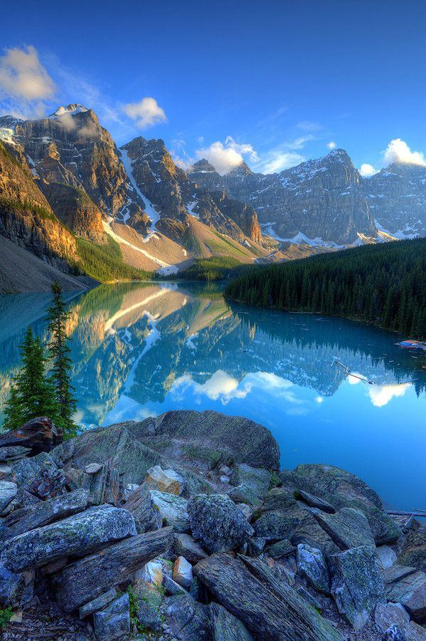 Moraine Lake, Alberta, Canada (by Matthew Hahnel)