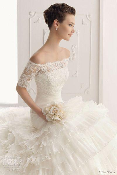 weddinginspirasi:    (via Alma Novia Wedding Dresses 2012 | Wedding Inspirasi)