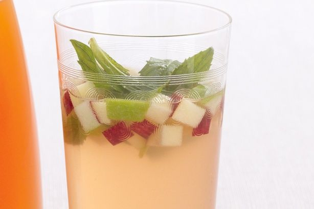 Ginger and Apple Cordial Used a squeeze of lemon in place of citric acid. Left ginger slices in cordial once bottled.