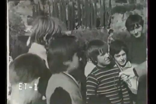 Εκλεκτός φίλος μας έστειλε ένα πολύ συγκινητικό βίντεο με μαθητές από το Δημοτικό Σχολείο της Κοντοβάζαινας πριν 37 χρόνια!! Πρόκειται για ένα ντοκιμαντέρ της ΕΡΤ που είχε επιμεληθεί ο γνωστός δημοσιογράφος Δημήτρης Λυμπερόπουλος το 1971. Σε...