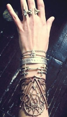 HIGH VOR LIEBE ; BETRUNKEN VOR HASS: Cuffs Bracelets, Arm Candy, Boho Gypsy, Silver Bracelets, Gold Rings, Layered Bracelets, Jewelry Rings, Bohemian Jewelry, Silver Cuffs