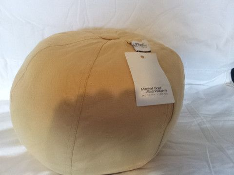 Mitchell Gold Decorative Pillows : 17 migliori immagini su Paradise Linens and More su Pinterest Oro rosso, Set di piumoni e Piumone