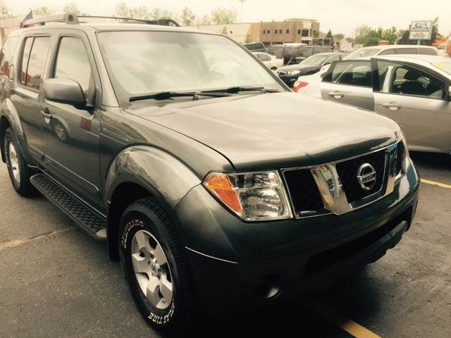 This 2007 Nissan Pathfinder SE Off-Road is listed on Carsforsale.com for $7,995 in Clinton Township, MI. This vehicle includes 2-Stage Unlocking Doors, 4wd Selector - Manual Hi-Lo, 4wd Type - On Demand, Abs - 4-Wheel, Active Head Restraints - Dual Front, Adjustable Pedals - Power, Air Filtration, Airbag Deactivation - Occupant Sensing Passenger, Antenna Type - Diversity, Anti-Theft System - Alarm With Remote, Anti-Theft System - Engine Immobilizer, Armrests - Rear Folding, Auxiliary Audio…