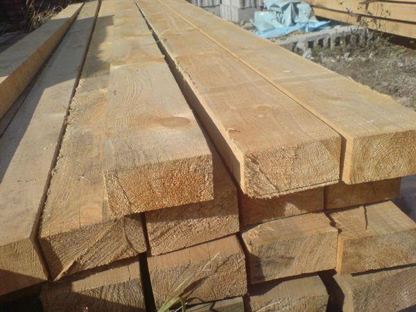 I.P.J. Timiş, împreună cu specialişti din cadrul  I.T.R.S.V. Timişoara, au efectuat controale la o societate comercială din Timişoara, ai cărei reprezentanţi sunt bănuiţi de operaţiuni ilegale cu material lemnos.