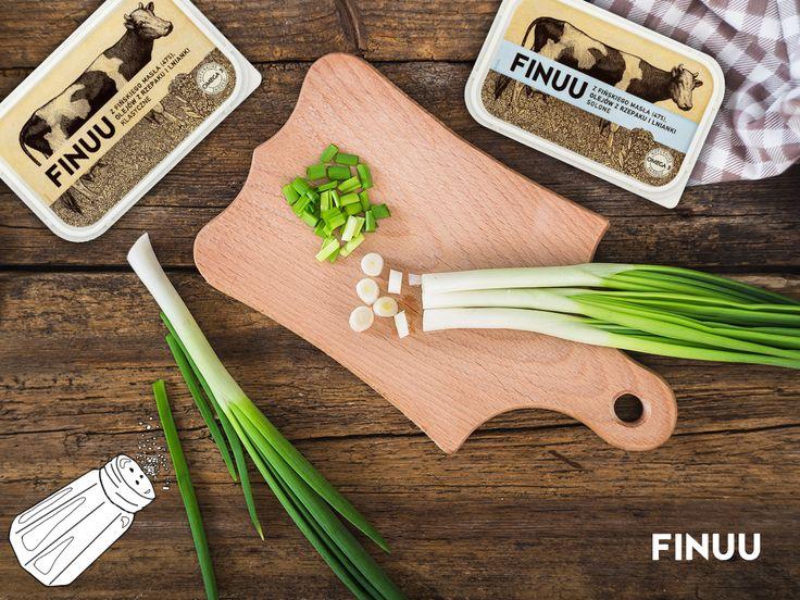 Proste jedzenie smakuje najlepiej. Co powiecie na kanapkę z masłem i młodym szczypiorkiem? :) #finuu #kanapki #sandwich #finuupl #butter #finland #finlandia #sniadanie #inspiracje #kitchen