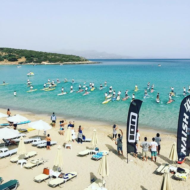 The SUP contest the other day in Agios Nikolaos. Just a short drive away from the hotel 💙 Photo and SUP-er @joseevrn #villaippocampi #ippocampi #hotel #hotels #boutiquehotel #smallhotel #greekhotel #exclusivehotel #greece #crete #summer #travel #traveling #sup #standuppaddle #ion #naish #surf #beach