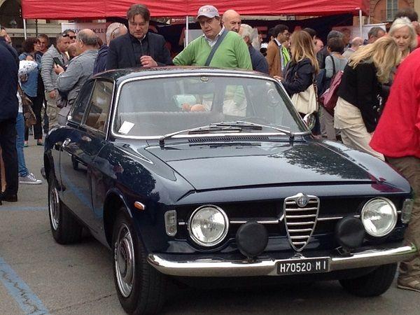 Le auto d'epoca hanno invaso Asti