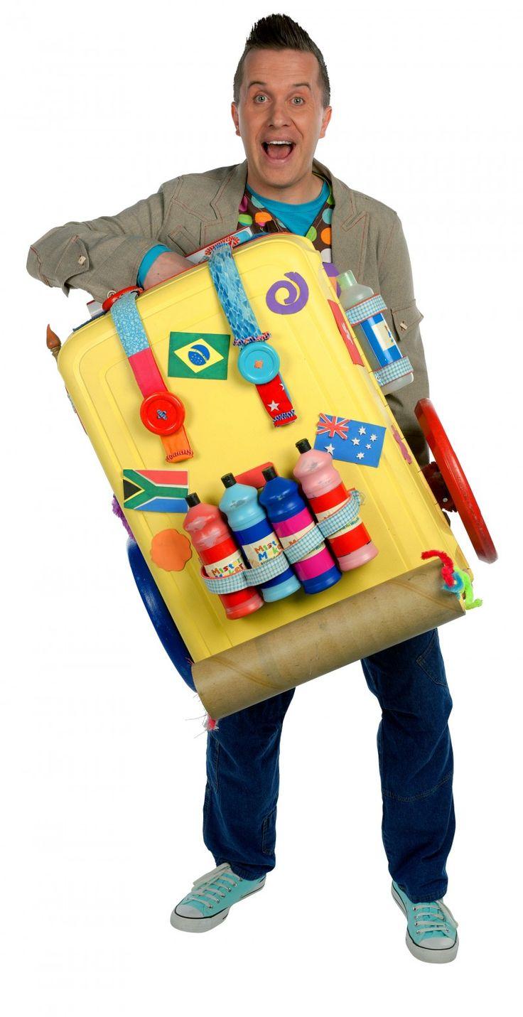 Mister-Maker-Suitcase-e1433890605914.jpg (800×1556)