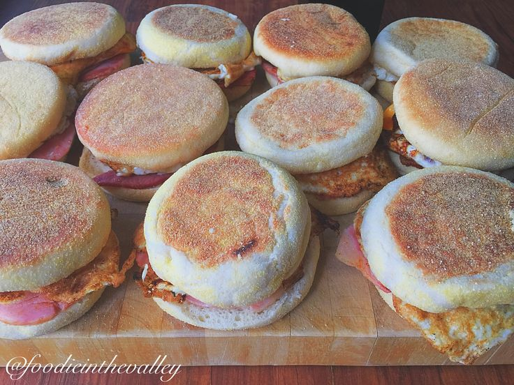 2 working weeks worth of breakfast meal prep for only $11...hell yes! Gotta love home made bacon and egg muffins!